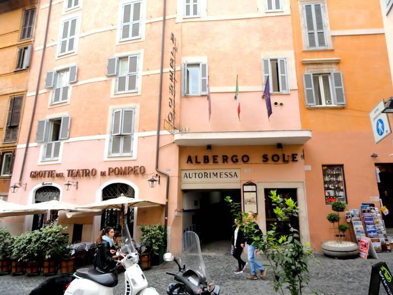Albergo Del Sole Al Biscione Rome