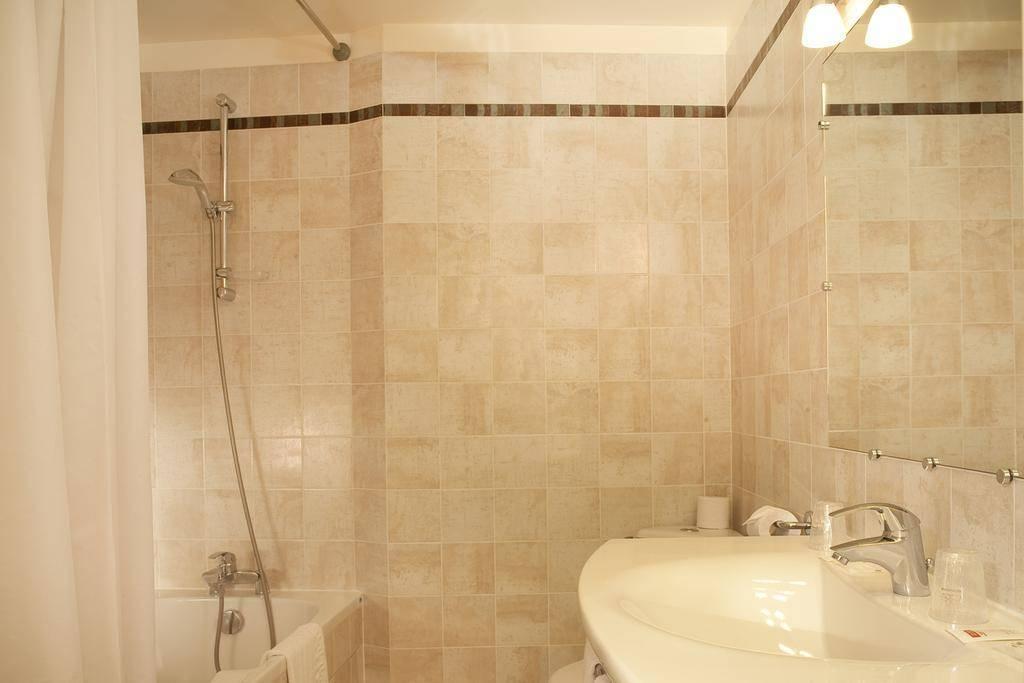h tel londres saint honor paris review by eurocheapo. Black Bedroom Furniture Sets. Home Design Ideas